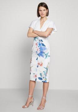 Ted Baker - NERRIS - Sukienka etui - white