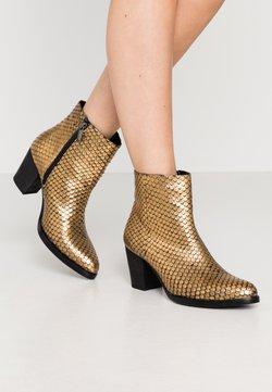 Lazamani - Stiefelette - gold