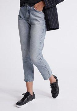 Superdry - SUPERDRY HIGH RISE STRAIGHT JEANS - Straight leg jeans - light indigo vintage