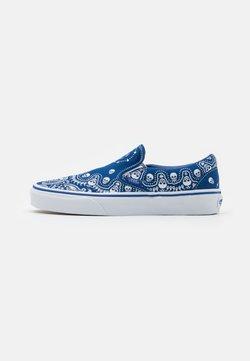 Vans - CLASSIC UNISEX - Loaferit/pistokkaat - true blue/true white