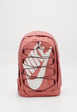 Nike Sportswear - HAYWARD 2.0 UNISEX - Reppu - canyon pink/earth/pale ivory