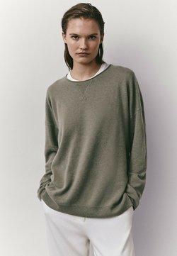 Massimo Dutti - MIT RUNDAUSSCHNITT  - Sweater - green