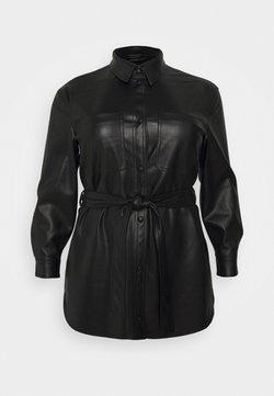 Vero Moda Curve - VMBUTTERDEBBIE JACKET - Chaqueta de cuero sintético - black