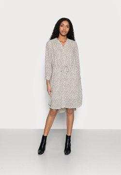 Selected Femme Petite - SLFDAMINA DRESS - Vestido informal - sandshell