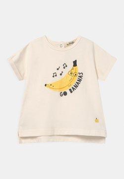 The Bonnie Mob - PERCY UNISEX - T-shirt print - white/yellow