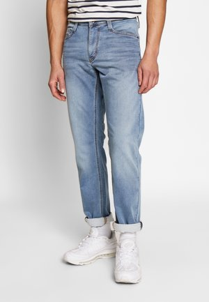 Mustang Tapered bei ZALANDO ❖Tapered Jeans online kaufen