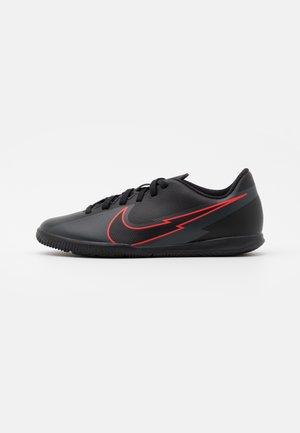 Zapatillas de fútbol sala online en Zalando