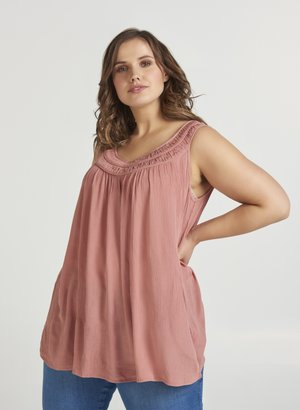 Rosa Zizzi Plus size klær klær i store størrelser på nett
