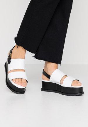 Tosca Blu Sko og klær på nett | Kjøp mote online hos Zalando
