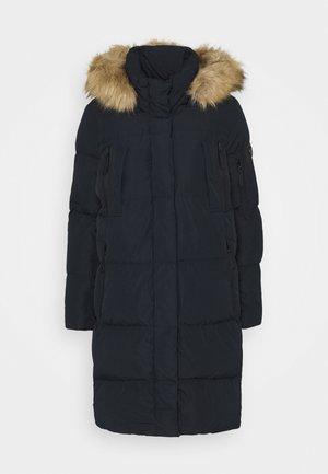 Superdry Dunjakker   Varme og lette jakker til dame og herre