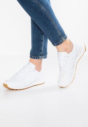 El principio mantener eficaz  Zapatillas Nike Internationalist en Zalando