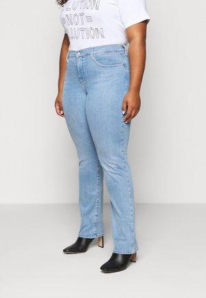 jeans för stora kvinnor