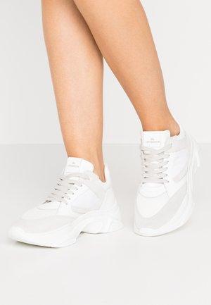 Copenhagen Witte sneakers online | Zalando