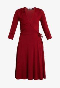 Dorothy Perkins Tall - WRAP DRESS - Jerseykjole - berry - 4