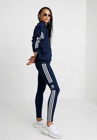 adidas Originals - ADICOLOR TREFOIL TIGHT - Leggings - collegiate navy - 0